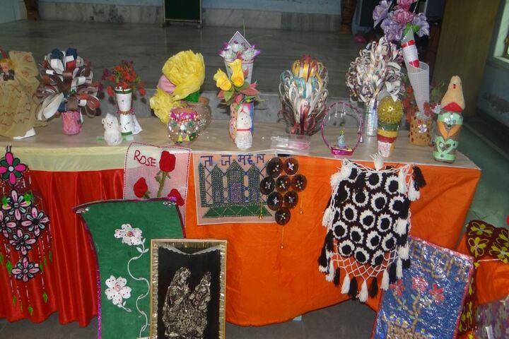Tiny Tots English Medium School-Craft Exhibition