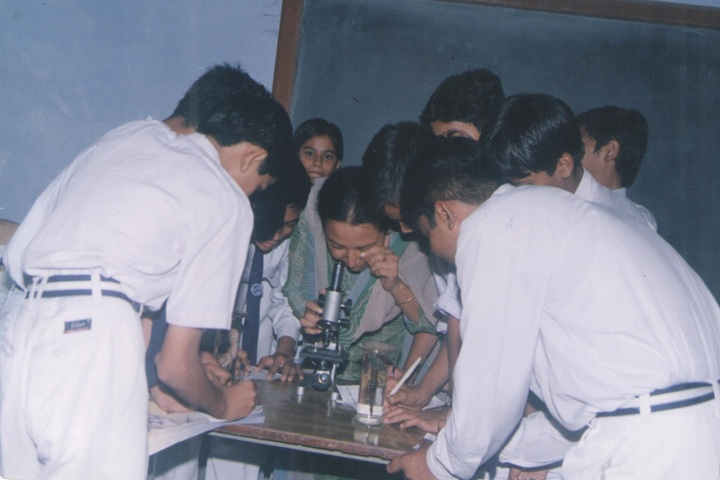 University Model School-Biology Lab
