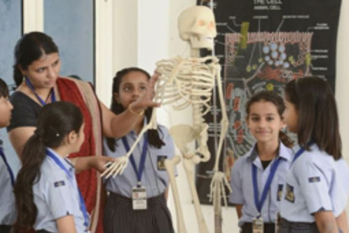 Vijaya International School-Biology Lab