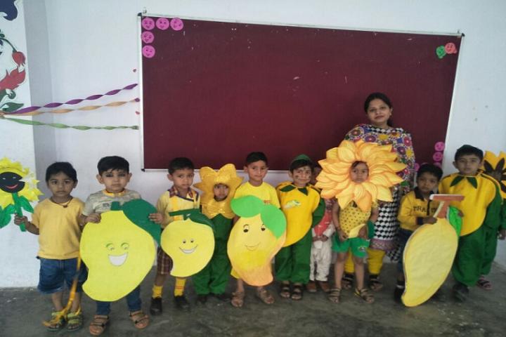 Walia Global Academy-yellow day