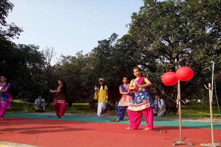 A B M Public School-Dance
