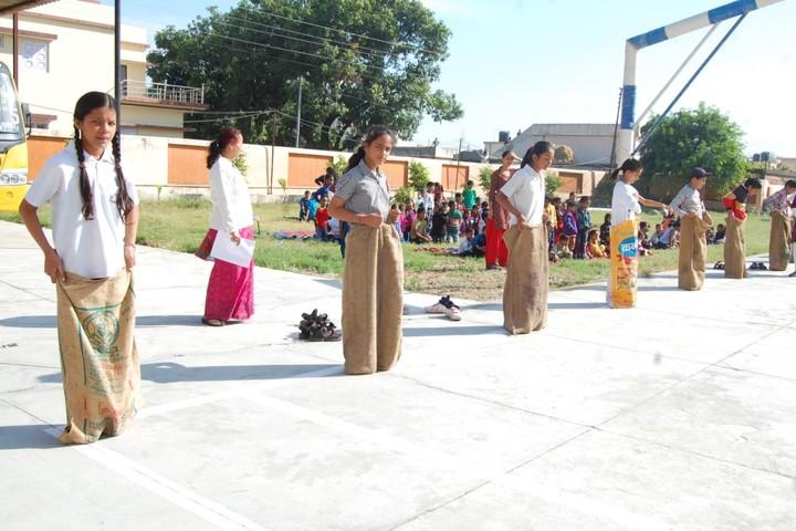 A N D Public School-Games