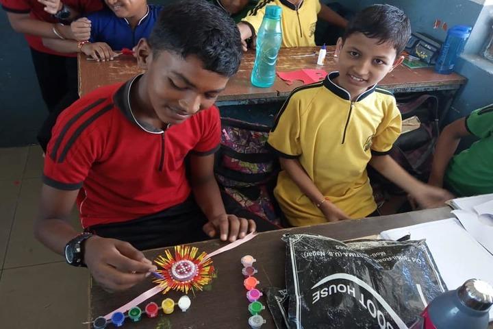 Alakashya Public School-Rakhi Making Competition