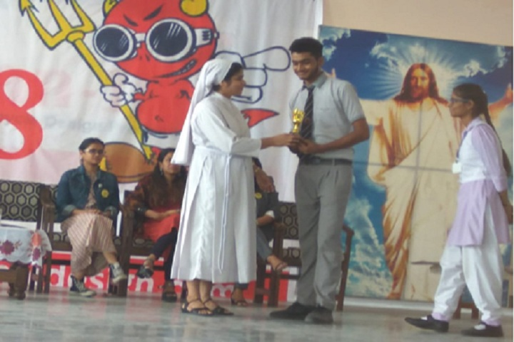 Angels Academy School-Craft Making Competition