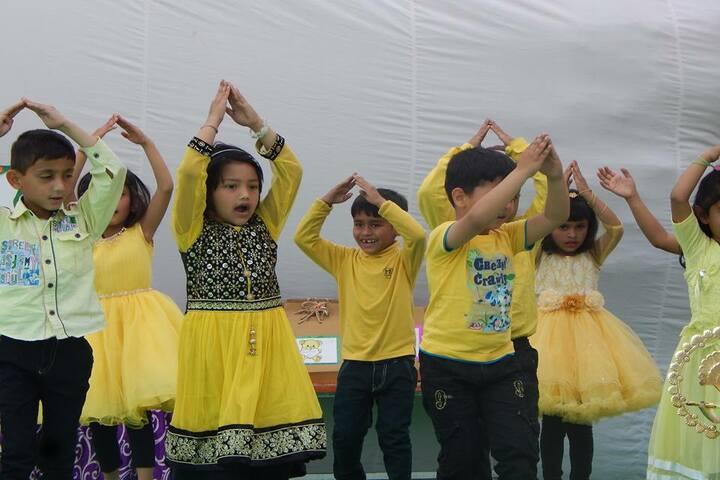 Baluni Public School-Dance Activity
