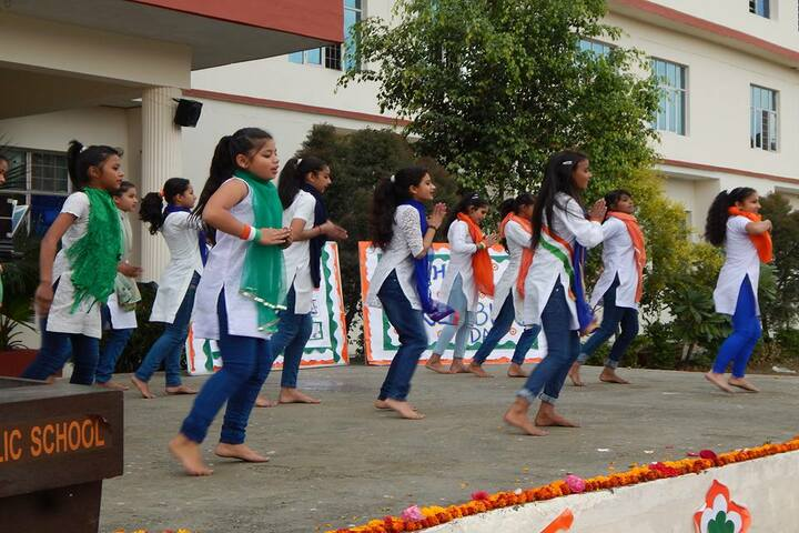 Baluni Public School-Dance Independence Day Celebrations