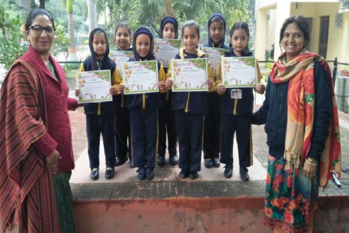 Bmdav Public School-Certificate Distribution