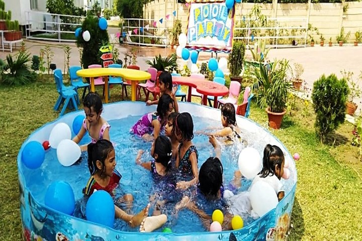 BML Munjal Green Medows School-Pool Party