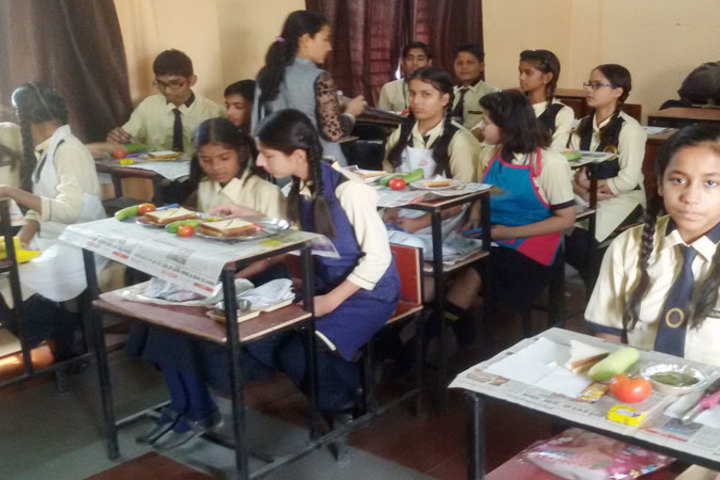 Diksha Rising Stars Public School-Salad Making Competition