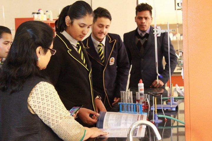 Doon International School Riverside Campus-Chemistry Lab
