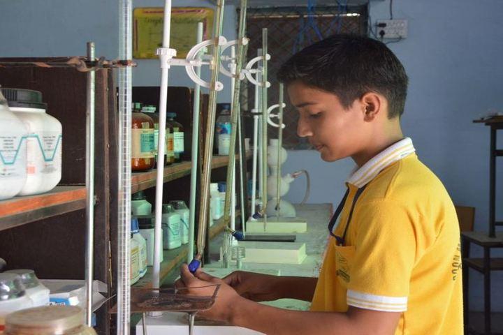 Doon Modern Academy-Chemistry Lab
