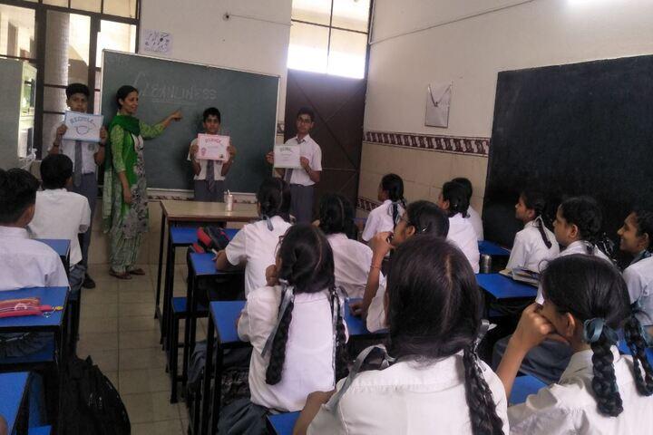 Maharishi Dayanand Adarsh Vidyalaya-Classroom