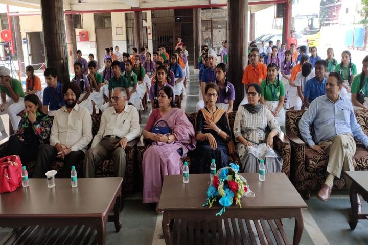 Maharishi Dayanand Adarsh Vidyalaya-Meeting