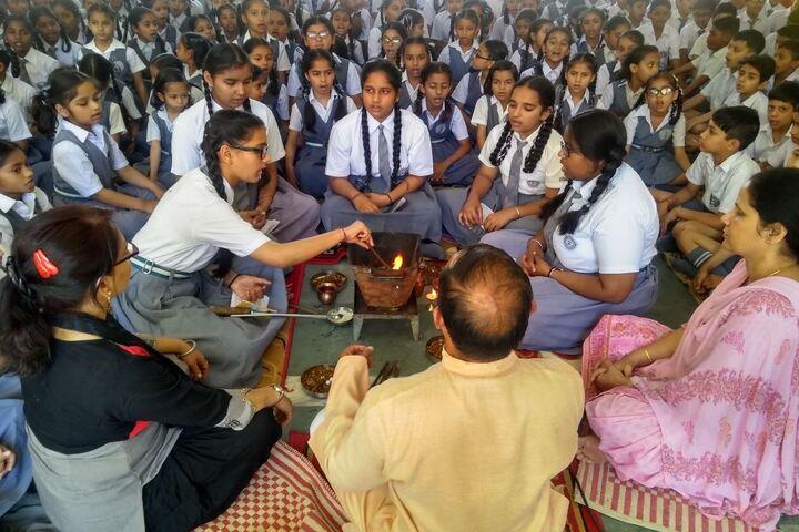 Maharishi Dayanand Adarsh Vidyalaya-Pooja