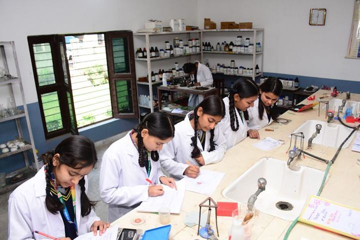 Ever Green Public School-Chemistry Lab