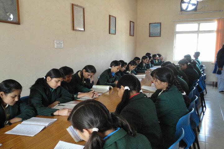 Gyan Bharti Public Shcool-Library