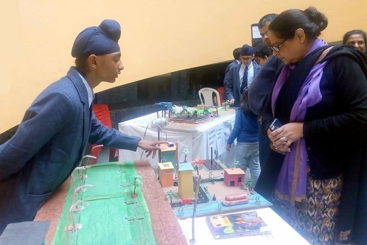 Saupins School-Electronics Exhibition