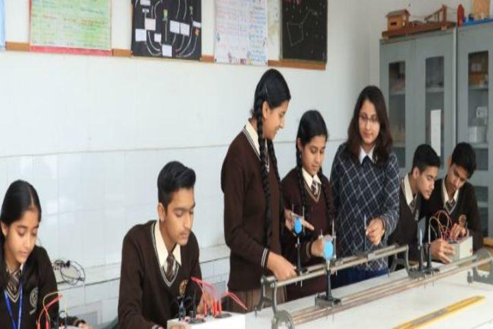 Shishu Niketan Public School-Physics Lab
