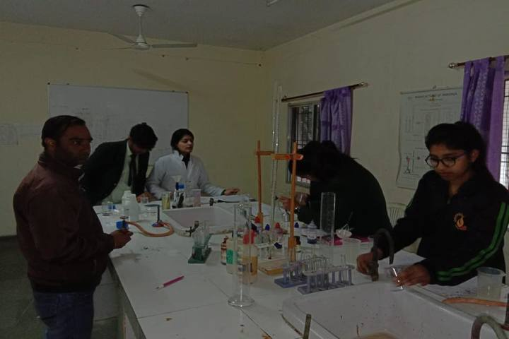 Lucent International School-Chemistry Lab