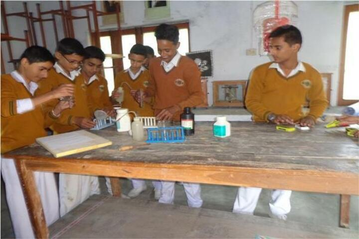 Maharishi Vidya Mandir-Chemistry Laboratory