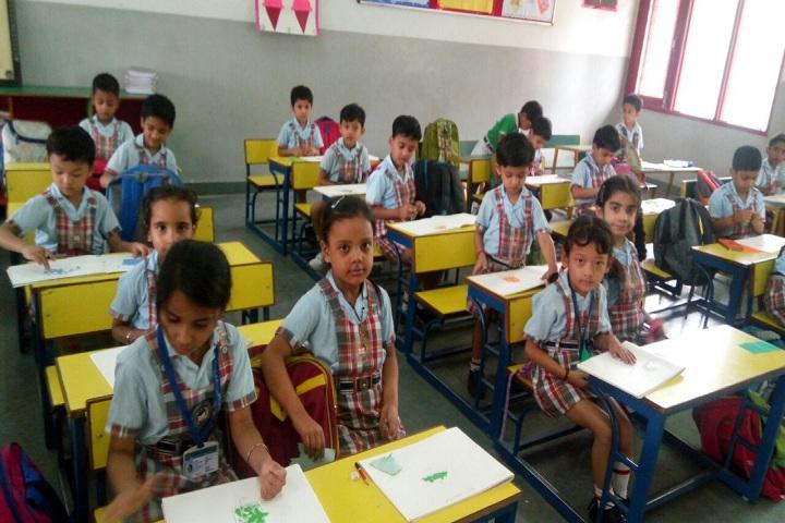 Sri Guru Gobind Singh Collegiate Public School-Classroom