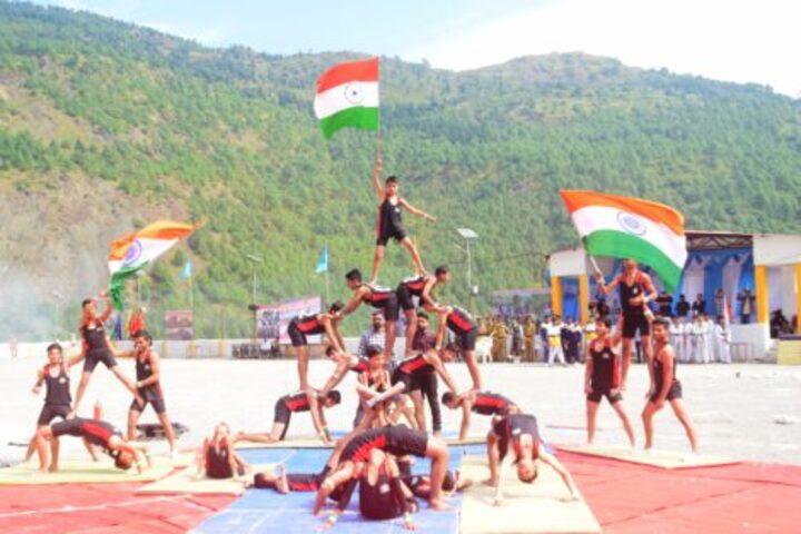 Parvati Prema Jagati-Human Pyramid