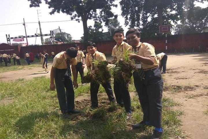 Renaissance Dron School-Cleanliness Program