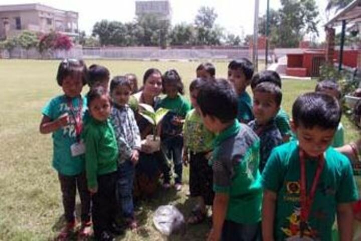Sant Kabeer Academy-Green Day