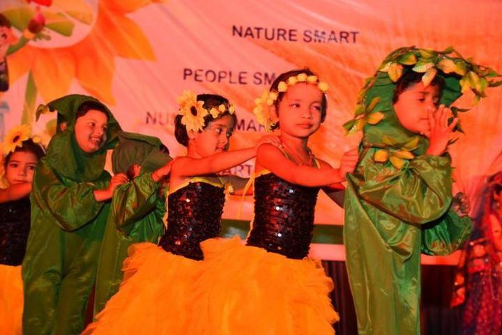 Aadharshila Vidya Mandir-Kids Dance