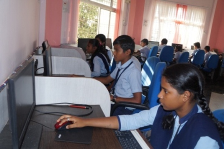 Aastha Vidya Mandir English Medium School- Computer Lab