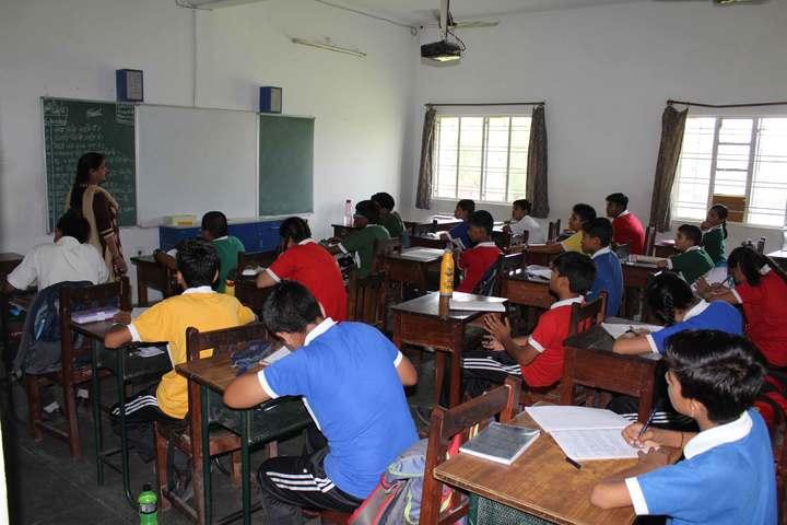 Templeten College-Classroom