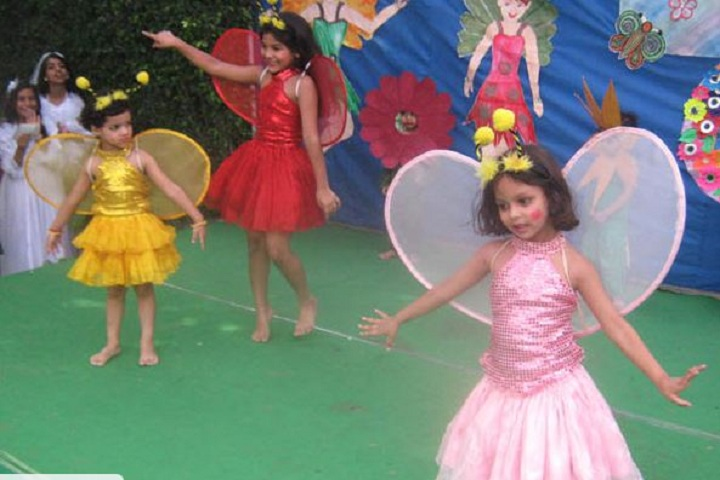 Thomsan World School-Dancing Activity