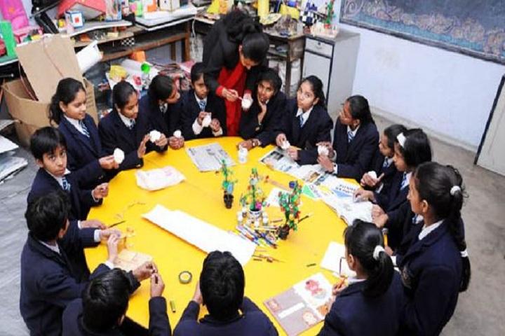 Thomsan World School-Drawing Activity
