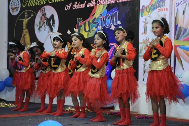 Amresh Sharma Public School-Dancing