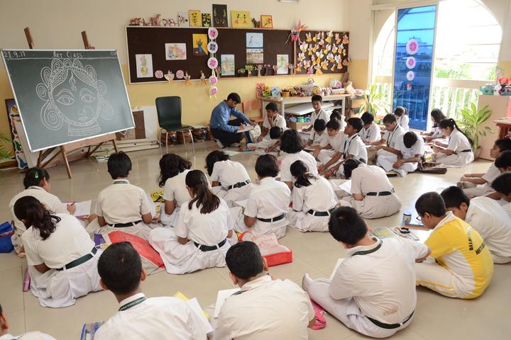 Delhi Public School-Art And Craft Room