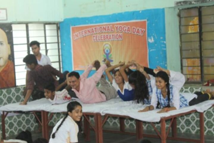 Devi Sushila Khedia Dav Public School-Yoga Celebrations
