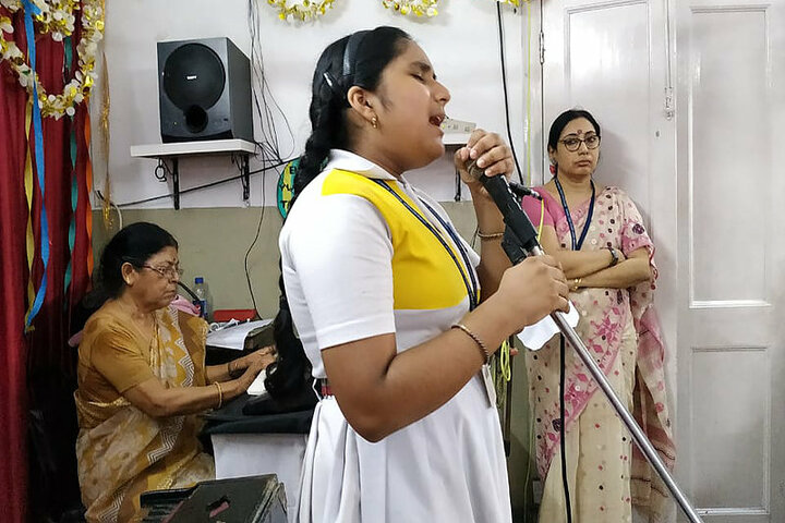 Gurbachan Singh Sondhi Girls School-Music Competition