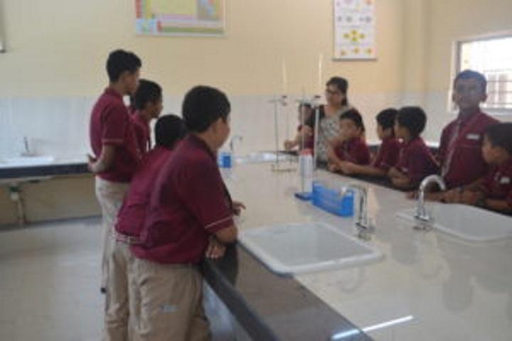 Hebron School-Chemistry Lab