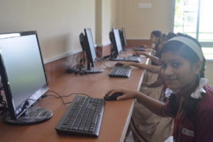 Hebron School-Computer Lab