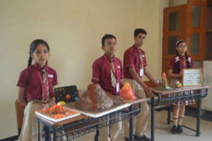 Hebron School-Physics Lab