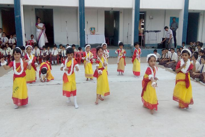Kashinath Lahiri Public School-Events dance