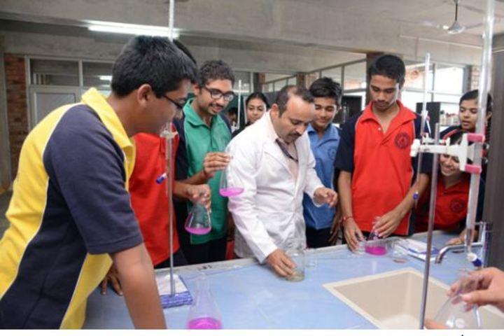 Bhavans Ram Kishore Sarda Vidya Mandir-Chemistry Lab