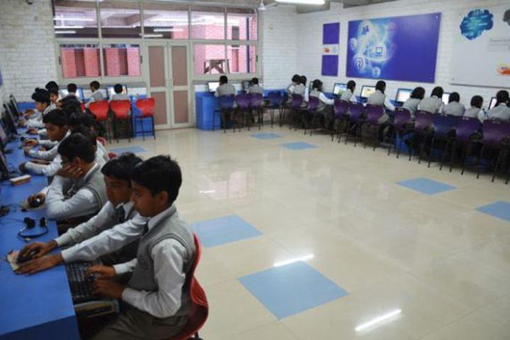 Bhavans Ram Kishore Sarda Vidya Mandir-Computer Lab