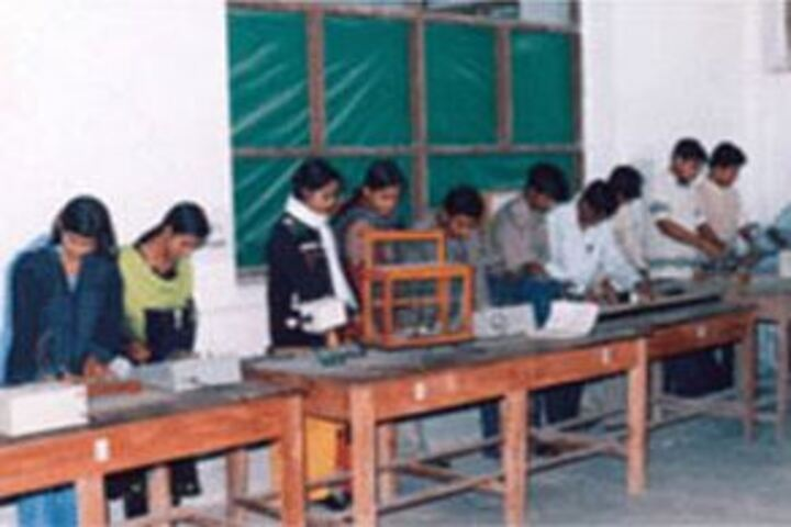 Model School-Physics Lab