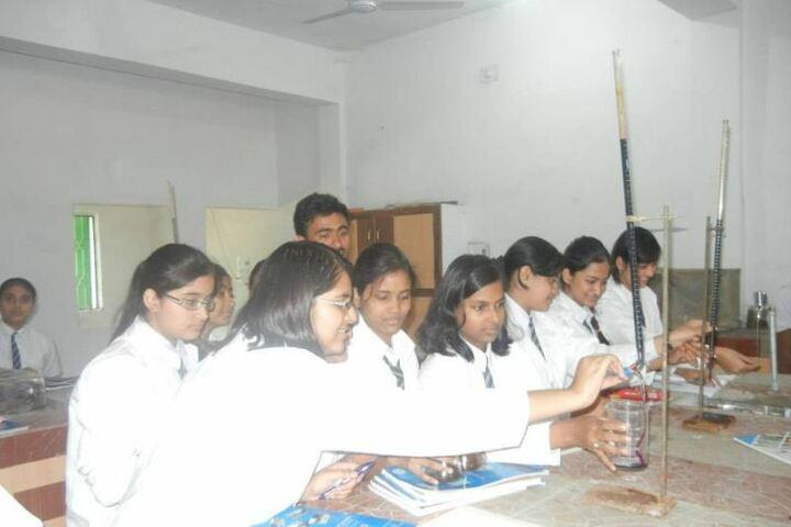 Priyadarshini Public School-Laboratory