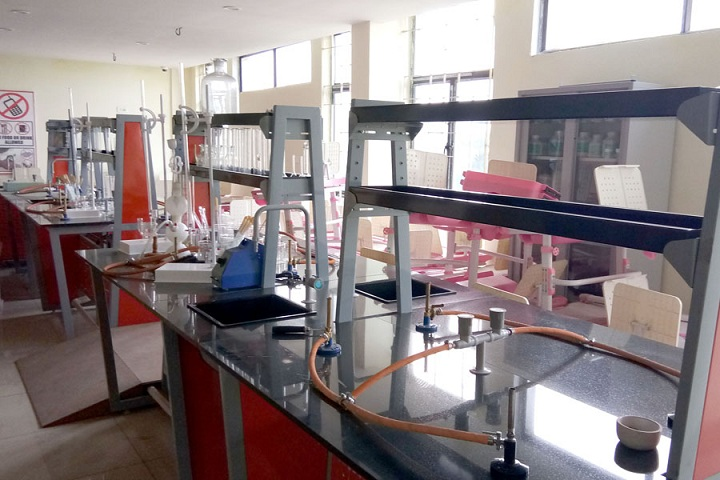Saraswati Devi International School-Chemistry Lab