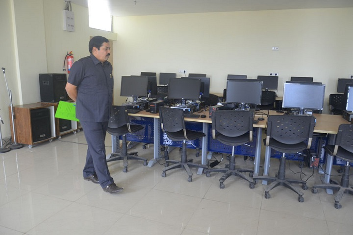 Saraswati Devi International School-Computer Lab
