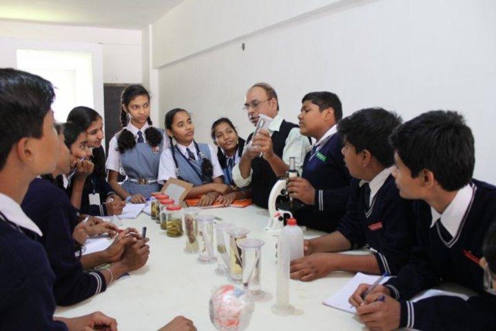 Campion School Raipur-Chemistry Lab