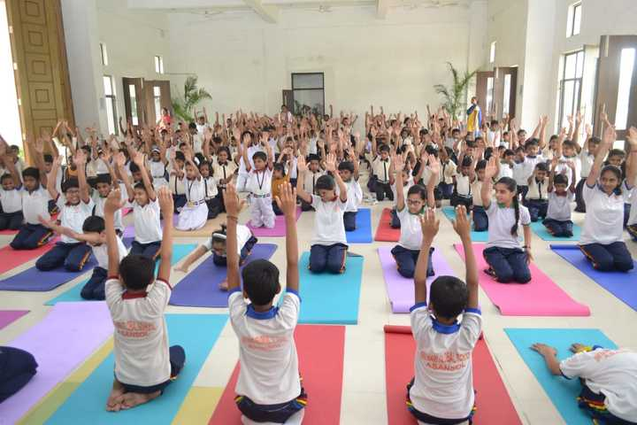 Srihari Global School-Yoga-day