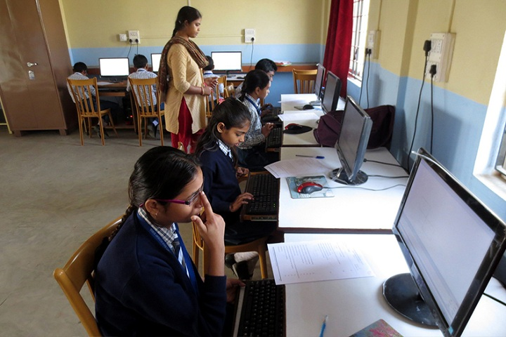 St Montforts Senior Secondary School-Computer Lab